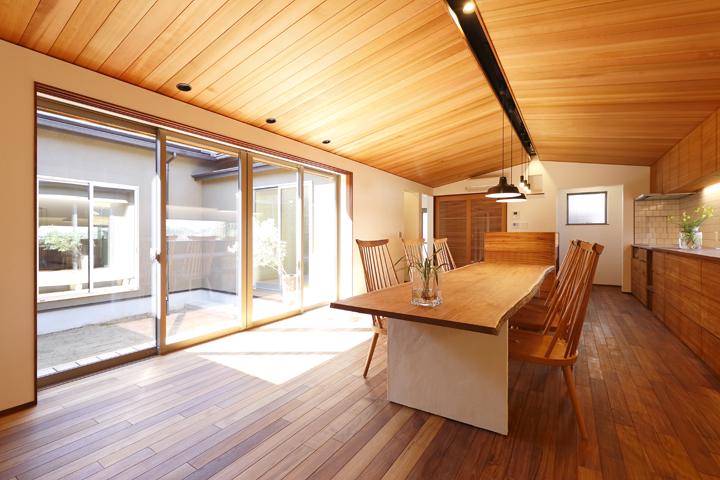 木の家 リビング2