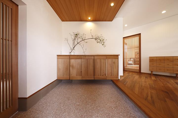 木の家 玄関2