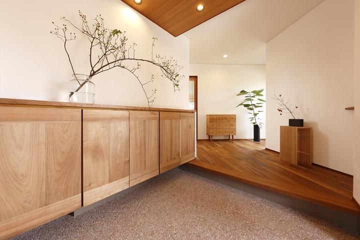 木の家 玄関