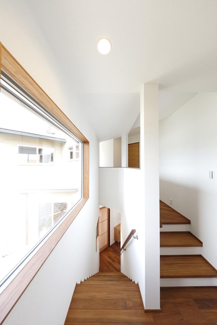 木の家 階段2